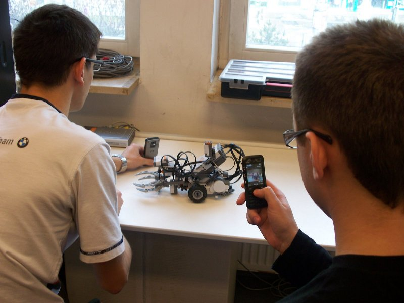 Lab 215 - LEGO Mindstorms NXT